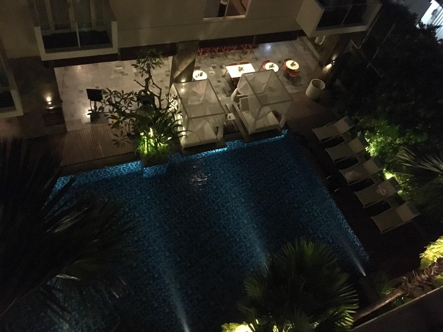 バリ島ホテル grand ixora プール